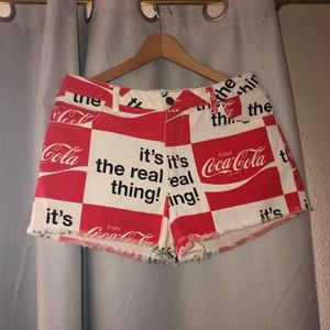 Mid-rise Coca Cola shorts